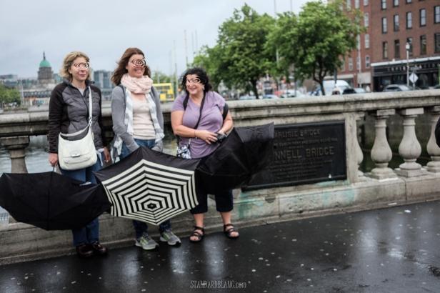 Dublin - 3 ladies ombrella.jpg